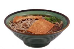 https://norikosushi.hu/media_ws/10000/2029/idx/kitsune-soba-leves.jpg