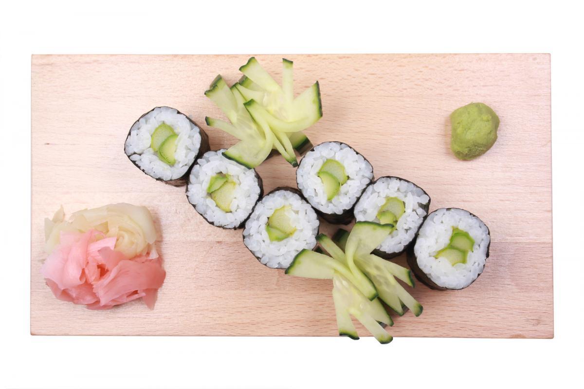 cucumber hosomaki