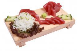 https://norikosushi.hu/media_ws/10000/2095/idx/maguro-sashimi-1.jpg